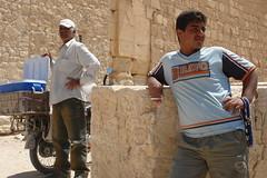 Palmyra - waiting (CharlesFred) Tags: peace desert roman middleeast hospitality siria syrian honour  syrien romanruins suriye  syrianarabrepublic  sirie balmera   shoufsyria  palpalmyra   welovesyria aljumhriyyahalarabiyyahassriyyah siri
