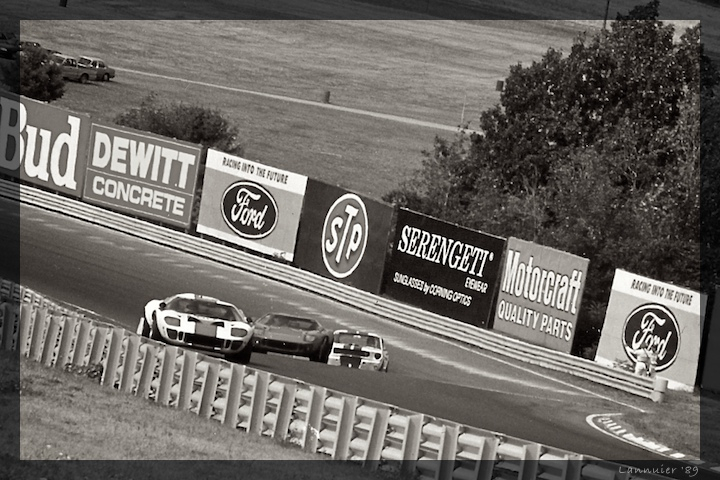 GT40s at the Esses