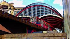 Red Train (Miradortigre) Tags: tren trenes train station estacion quays heron london londres inglaterra england