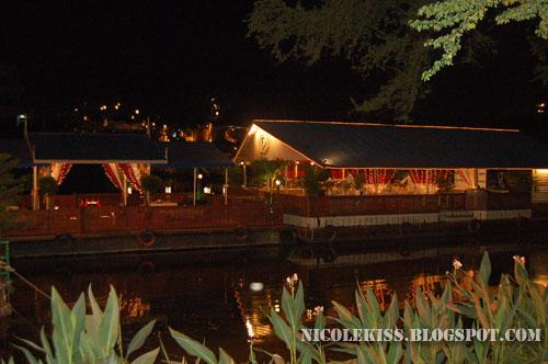 dinner boat