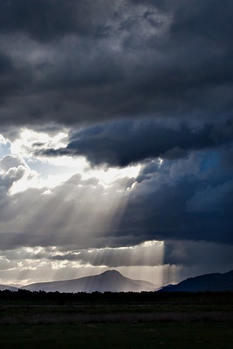 Light rains down on Ben Lomond