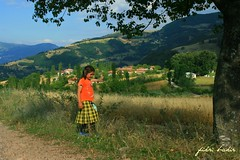 village and the girl child. (nature photographer.) Tags: village ky anatoli yeil ekin anadolu canoneos400d yazmevsimi niksar kzocuu hasatzaman araky villageandthegirlchild kyvekzocuu summersason