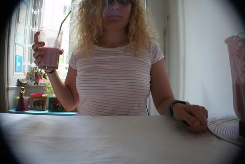 marzipan-beeren-smoothie & stripe mania!