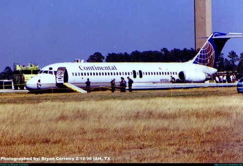 Continental Airlines McDonnell Douglas DC-9-32 N10556 - Story below