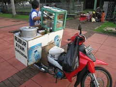 Chicken porridge (ivanlanin) Tags: jakarta motor senayan bubur ayam buburayam indonesianphotobloggers
