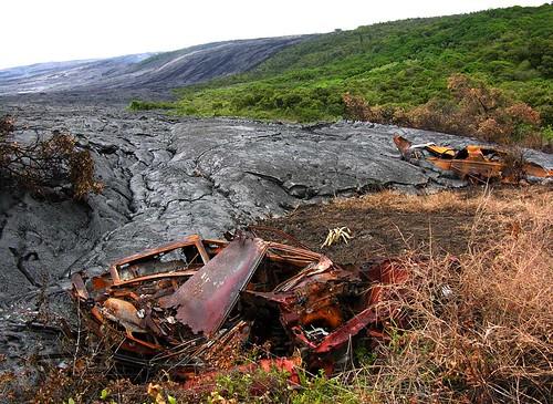 1910742574 1cddbb92a4 Danger and Beauty of Hawaiian Volcanoes