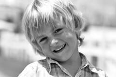 peligroso el chiquitin (quino para los amigos) Tags: boy black cute beauty smile mouth happy kid model eyes funny child ronaldinho bn modelo playboy sonrisa chico boca nio maradona toms posar favemegroup3 purrete onlythebestare top20argentina