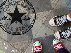 All Star (Lasa Roberta Trojaike) Tags: street red white black branco logo star all propaganda preto vermelho commercial allstar comercial
