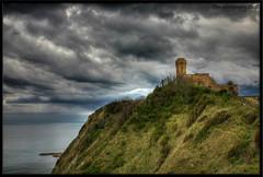 Il vecchio faro (otrocalpe) Tags: lighthouse faro mare barche porto navi hdr luce marche adriatico ancona otrocalpe portodiancona parcomontedelcardeto mexhw