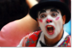 Palhao ~~ Clown (Anderson Sutherland) Tags: color public smile clown laugh laughs pinacoteca outstandingshots abigfave impressedbeauty megashot sampaclick