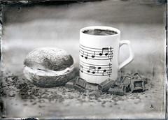 Tintype_yearofstilllife_Februari 2017 (Jari Savijärvi) Tags: bun camera fkd13x18 february2017 hotchocolate kaakao laskiainen laskiaispulla chocolate nuottimuki tintype wetplate yearofstilllife shrovetide pancakeday shrovetuesday fazer suklaa fazerin sininen