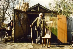 Ted King at home in Watchet lane (Stuart Kings) Tags: life wood england house green work woodwork king village chilterns stuart bucks villagelife chairmaker socialhistory chilternhills chairmaking holmergreen holmer stuartking