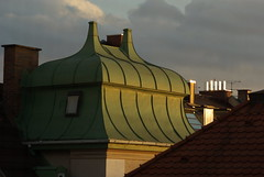 golden green. (rear window) (sabine_butterblume) Tags: light green gold licht grn berdendchern ausdemfenster goldenlight