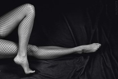 Silk (alfonstr) Tags: bw woman sexy canon mujer legs bn sensual medias dona piernas alfons 2470 fondonegro mitjes cames 40d ltytr1 ltytr3 ltytr4 ltytr5 alfonstr fonsnegre ltyytr2