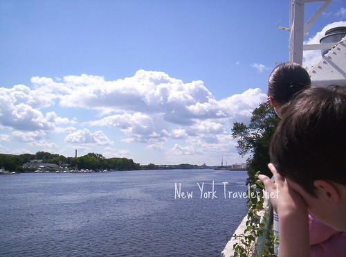 05 Down the Hudson