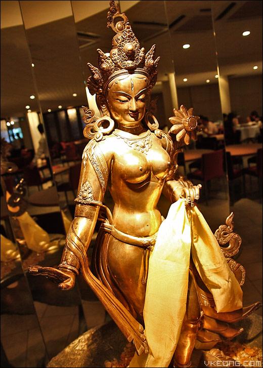 tibetan-statue