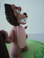 """Topo de Bolo (.""""Ateliê Mimos ao Vento (BISCUIT)"""".) Tags: lembrança biscuit infantil festa madagascar leão lembrancinha leãozinho"""