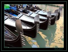 SESTIERI (masaimanta) Tags: travel italy ro canal italia gondola barcas reflexions venecia venezia gndola gondolieri gondolero vneto venexia kartpostal flickrcolour venezsia nikond40x gndole flickrestrellas flickrlovers peachofashot nikonflickraward grouptripod