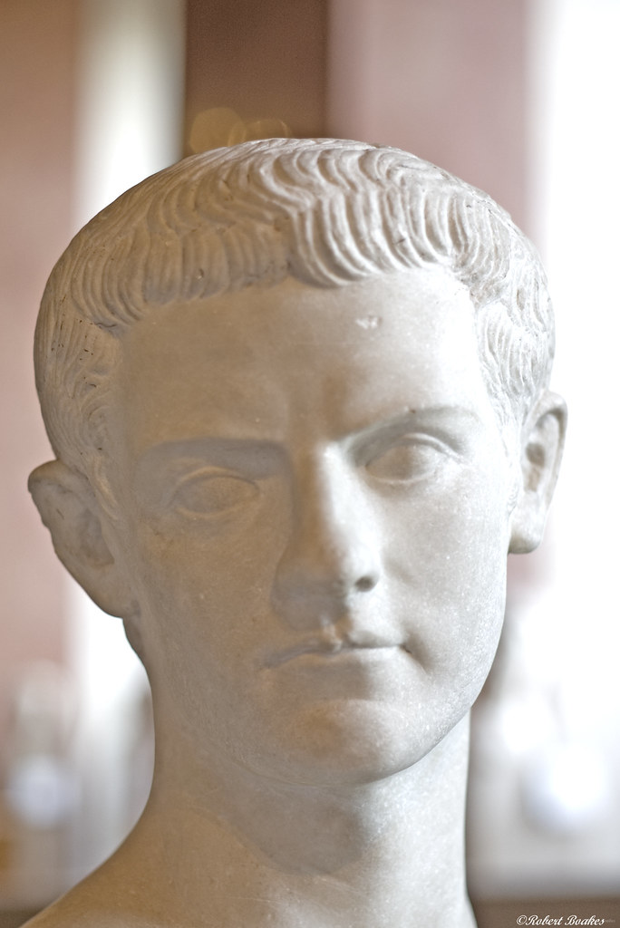 grachi tiberius gaius rome essay The gracchi, tiberius gracchus and gaius gracchus, were roman brothers who  tried to reform rome's social and political structure to help the.