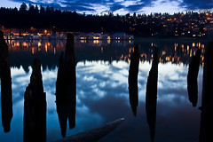 Dinnertime (LukeOlsen) Tags: nightphotography usa night oregon portland nocturnal dusk willametteriver nocturne houseboats willamette lukeolsen