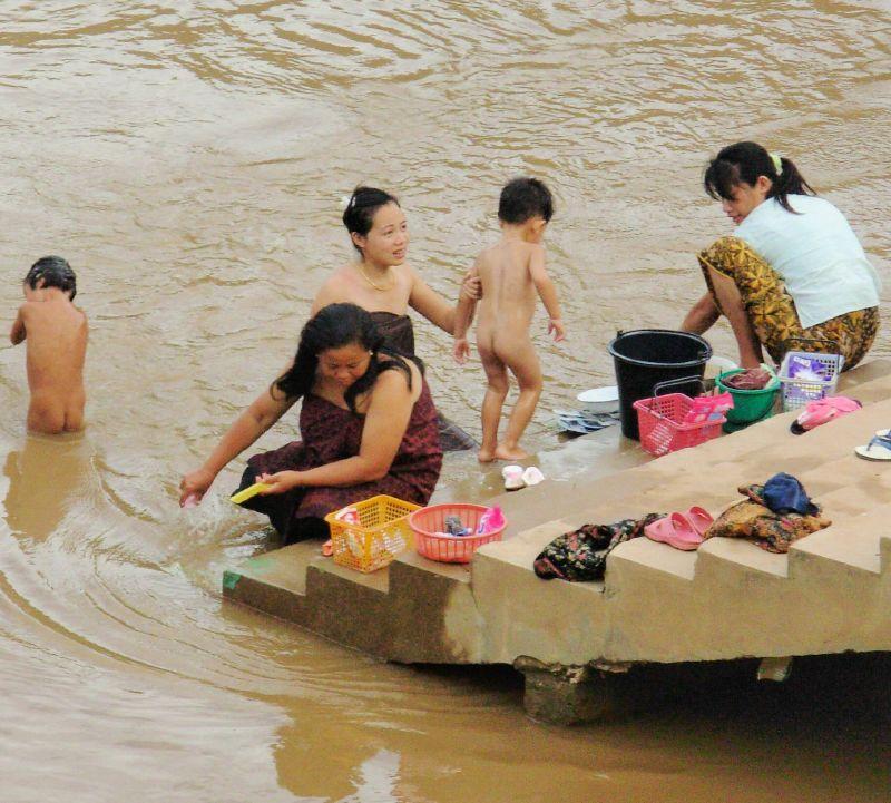 L-Nong Khiaw