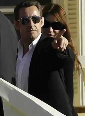 14585265_Sarkozy_bruni_B