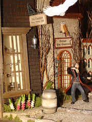 Diagon Alley in the Leaky Cauldron...Harry Potter (dont make a scene) Tags: silver miniatures alley florida mary harry potter owl cauldron dollhouse hallmark leaky diagon ciccolella dollhouseminiatures