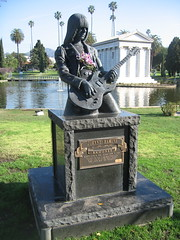Hollywood Forever: Johnny Ramone (el-D) Tags: cemetery dead hollywood ramones celebrities forever johnnyramone necrophilia