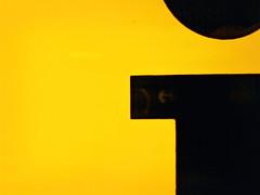 i (Bundscherer) Tags: yellow münchen typography gelb ii type letter info alphabet lettering schrift oneletter lettern typografie buchstabe vialog