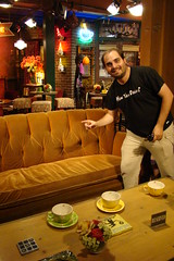 Friends-set-central-perk-warner-bros-studio