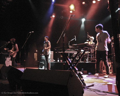 10.06 Klaxons @ Vic Theater (03)
