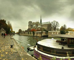 Notre-Dame-de-Paris - 3-11-2007 - 12h35 (Panoramas) Tags: autumn sky paris france church seine automne river de point geotagged la cathedral perspective iglesia kirche notredame chiesa cathdrale ciel chapeau fv10 pniche vanishing glise quai eglise hdr ptassembler kathedral tournelle fuite glise etiennecazin   smartblend  geo:tool=gmif tiennecazin geo:lat=48851656 geo:lon=2350447 outstandingromanianphotographers