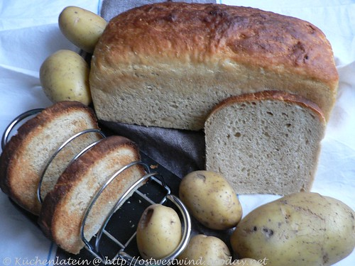 Tender Potato Bread 024