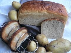 Luftiges Kartoffelbrot und -brötchen