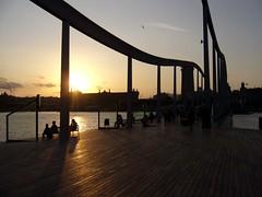 Relax Onde N 1 (Thomas B.Run) Tags: barcelona sunset relax tramonto porto barcellona onde maremagnum portoolimpico perfectsunsetssunrisesandskys