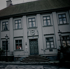 Jagad av en namnls skrck (gothicburg) Tags: door windows house stairs dark blurry gloomy paranormal hellfire stigbergstorget7