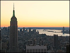 Sunset in New York (Natasja Valentijn) Tags: new york city nyc sunset ny newyork color night canon manhattan esb empirestatebuilding g3 topoftherock totr