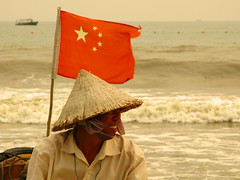 Conical Hat ^ & China Flag (Life in AsiaNZ) Tags: china red portrait people man beach water smile canon stars asia waves wind g flag chinese hats powershot series    conical beihai  guangxi silverbeach   g9 gseries  abigfave  canong9  lifeinnanning flickrgiants