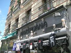 Expendio.... (estebangese) Tags: madrid tienda rastro marihuana