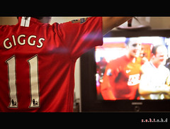 The Fans Ch 16 | Manchester United Fan Celebrate 18th League Titles (zaki.abd) Tags: nikon 11 celebrations 2009 manchesterunited champions giggs reddevils thefan d90