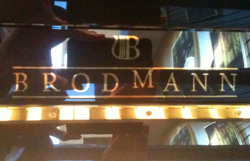 Brodmann logo on the piano has one crooked M