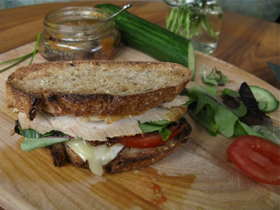 chicken brie chutney sandwich 003