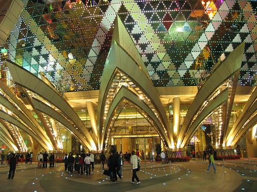 2166828278 09ae811668 Grand Lisboa: El gran hotel y casino de Macao
