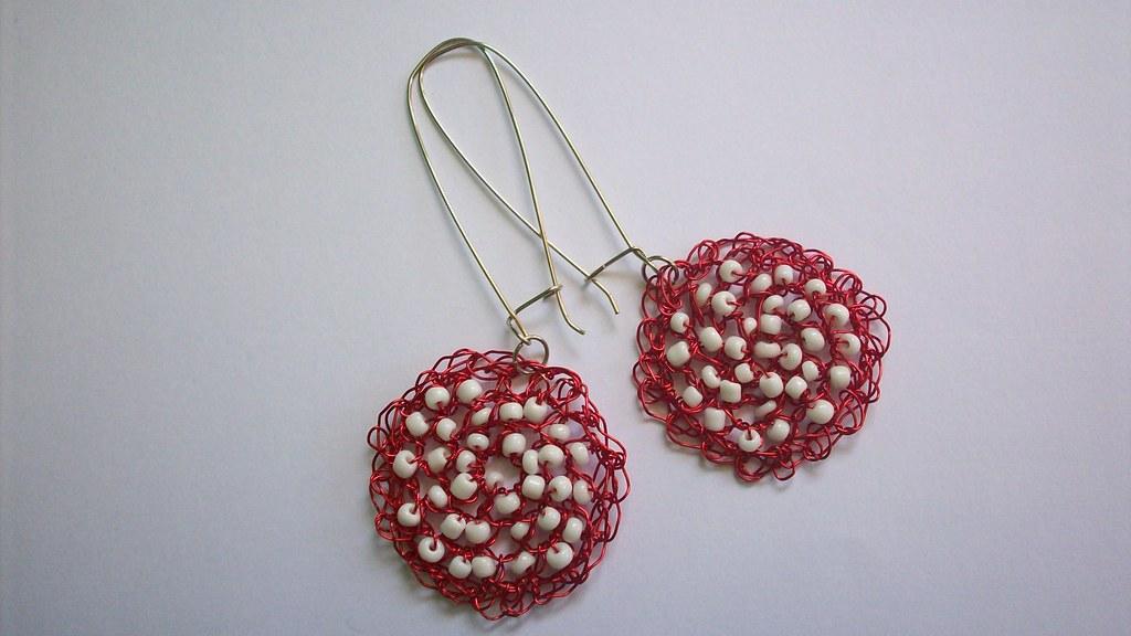 68a661d76d50 aros rojiblancos (MONA DE SEDA) Tags  chile fashion valparaiso mujer  knitting handmade crafts