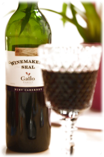 Ruby Cabernet - Winemakers Seal - Gallo family - E & J Gallo Winery