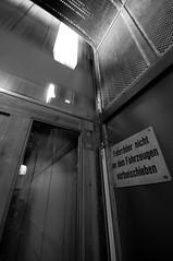 Alter Elbtunnel (augschburger) Tags: iso800 hamburg tunnel noflash hh landungsbrücken stpauli 2009 elbe elbtunnel lightroom hansestadt alterelbtunnel hansestadthamburg aperturef80 adobephotoshoplightroom nikond300 landungsbrcken focallenght10mm ©augschburger jeffreyfriedlflickrexportplugin shutter¼sek zeitautomatik lens1020mmf456 hamburgtrip09