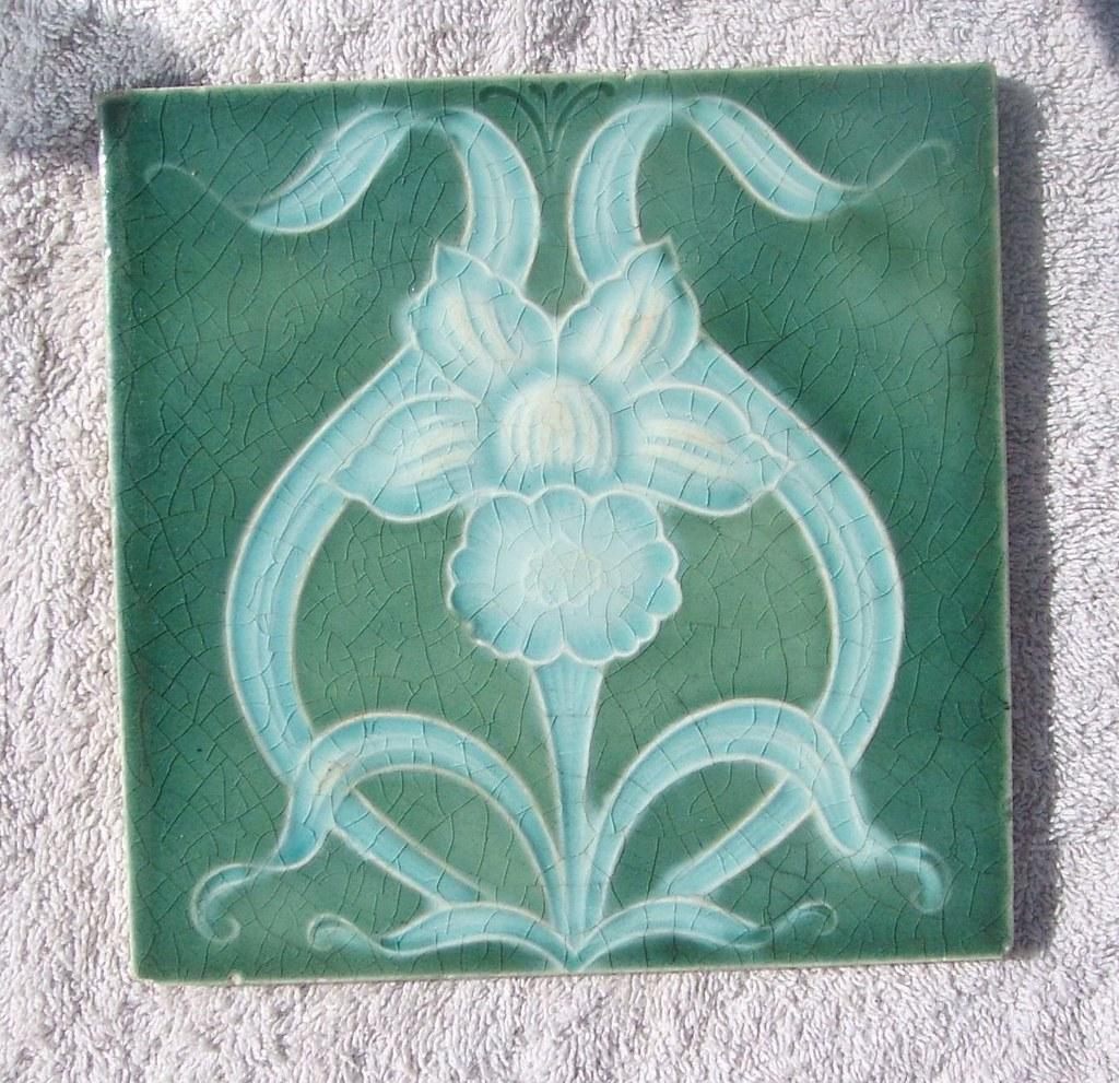 Art Noveau tile (c.1904)
