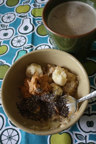 stovetop oats, banana, pb, chia seeds, coffee