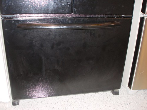 Pull-out bottom freezer