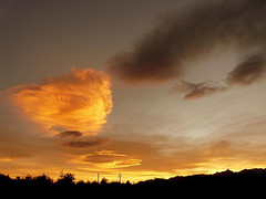 the golden cloud (Marlis1) Tags: sunset clouds wow 365 elsports splendiferous weatherphotography marlis1 superbmasterpiece